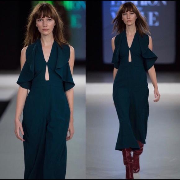 3a6b626100 ZARA Woman Long Ruffle Jumpsuit XS Green XSmall. M 5aeb1a6600450f2806df70bc
